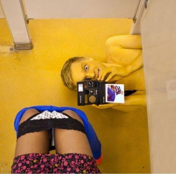 Una cámara en el baño de mujeres