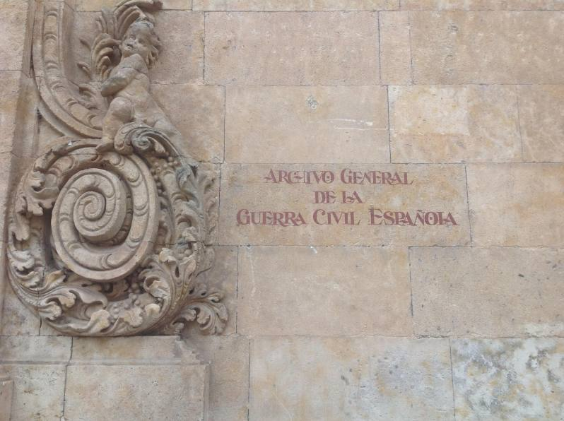 Detalle de la fachada del Archivo de Salamaca