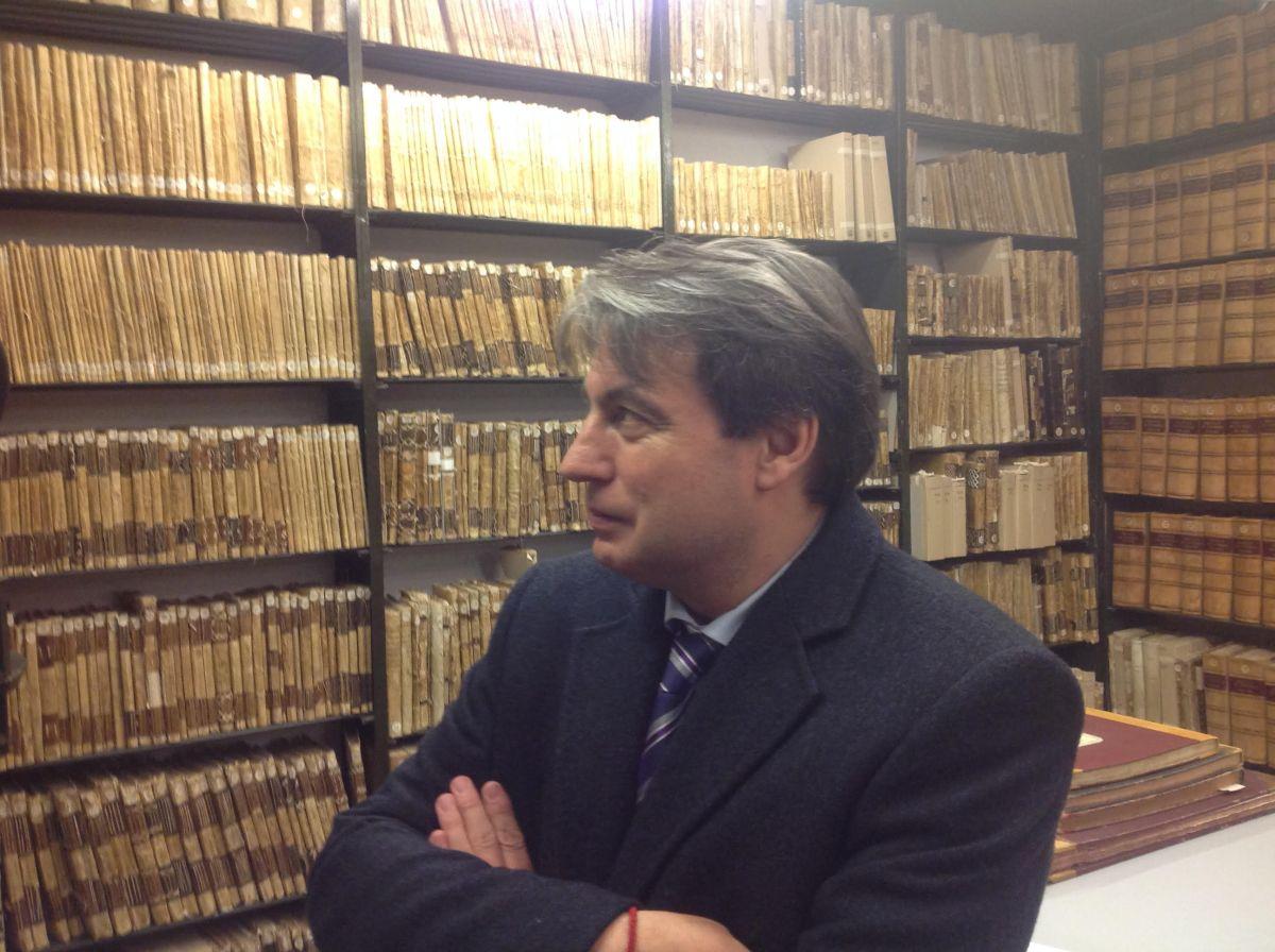 De paseata con Policarpo Sánchez por los infames entresijos del expolio al Archivo de Salamanca