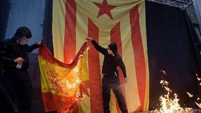quema de banderas españolas