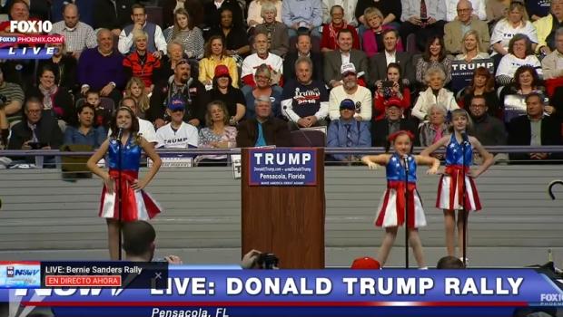 Ansiosos por el poder lo mismo son Pedro Sánchez que Donald Trump, el que usa a niñas porristas vestidas de bandera