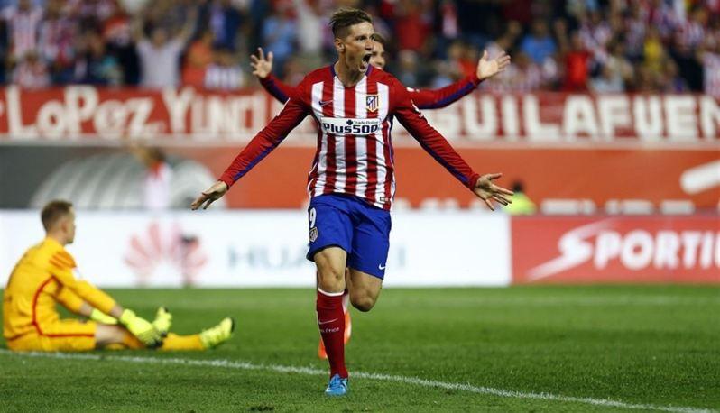 Torres marca su gol número 100