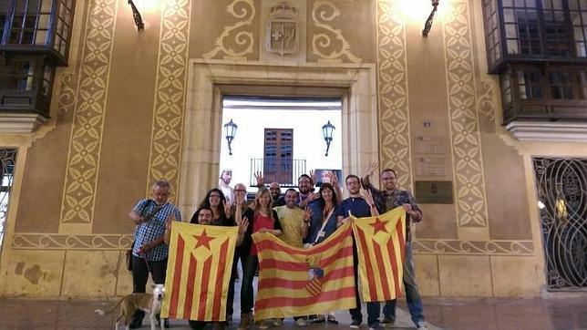 Compromís y la bandera indeoendentista catalana