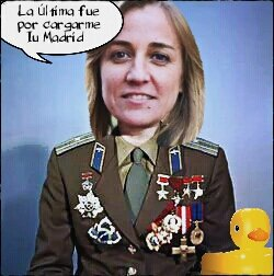 A los comunistas les molan las medallas