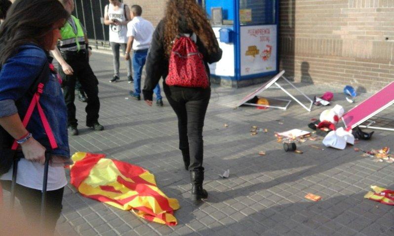 TV3 y 'La Vanguardia' ignoran la agresión contra las jóvenes de 'Barcelona con la selección' …