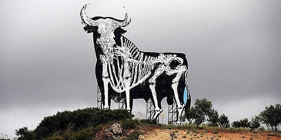 El toro de osborne en los huesos