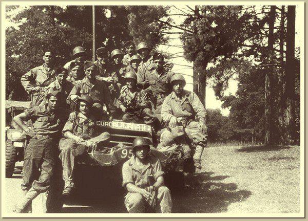 Los españoles de la nueve, una compañía mítica en la historia de la segunda Guerra Mundial, fueron los héroes olvidados, los primeros en llegar hasta el Ayuntamiento de París