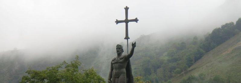 estatua-de-don-pelayo-en-covadonga