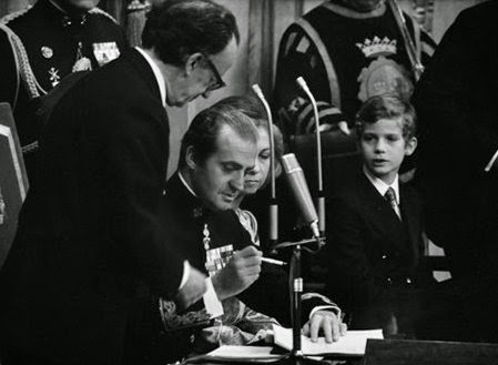 rey-firma-constitucion