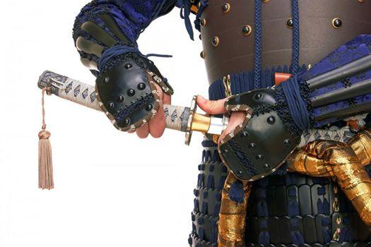 una-espada-es-tan-letal-como-lo-es-quien-la-maneja-una-armadura-es-tan-fuerte-como-lo-es-quien-la-porta